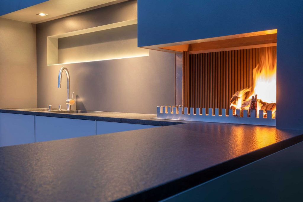 offenes Feuer in der Outdoor Küche